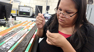 REU student works in the lab