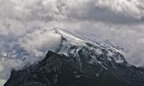 Winds on Mount Rundle