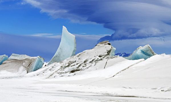 Pressure ridges in Antarctica